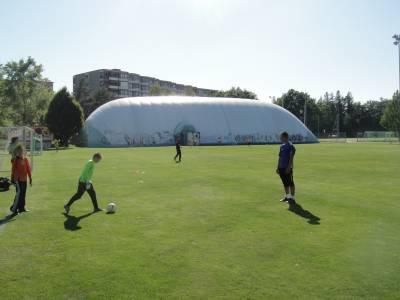 Terrain couvert sur la place de jeux pour enfants Terrains de sport de la Bl�cherette � Lausanne