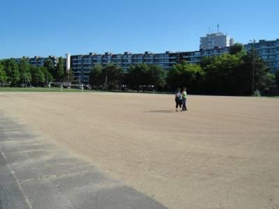 Terrain de football pour le public sur la place de jeux pour enfants Terrains de sport de la Bl�cherette � Lausanne